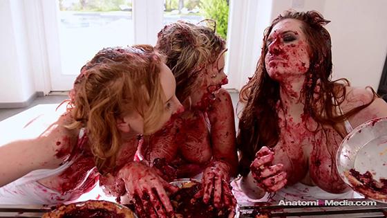 [AnatomikMedia] Veronica Vain, Sasha Heart, Katy Kiss (Pie Whores / 06.05.2020)