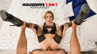 [Housewife1on1] Aiden Ashley, Bobby Beefcakes (Wife Aiden Ashley fucks you good in bed / 07.23.2020)