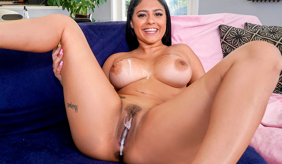 [BigTitCreamPie] Serena Santos (My Step Sister Is A Cam Girl!! / 05.08.2021)